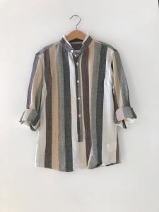Camicia a righe multicolore con colletto coreano