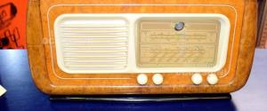 Radio Fonola Mod. 5558 Del 1952 In Legno Radica Con Giradischi (da Sistemare)