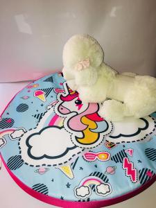 Croci Cooling Bed cuscino rotondo  per cani refrigerante fantasia unicorn sfondo azzurro