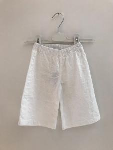 Pantalone bianco con ricami fiori