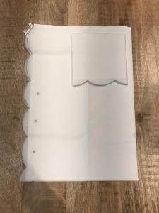 Lenzuolo bianco con ricami argento