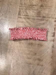 Fascia bianca con stampa fiori rossi