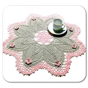 CENTRINO grande rosa e grigio con fiori all'uncinetto