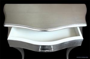 Consolle con finitura foglia argento