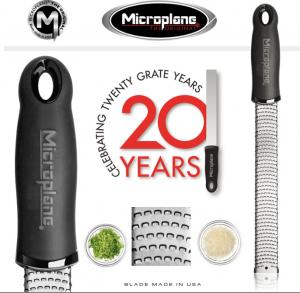 MICROPLANE GRATTUGIA PREMIUM ZESTER MANICO COLORE NERO LINEA PREMIUM CLASSIC 46020E