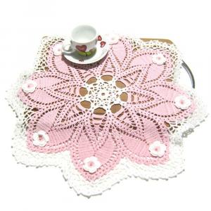 CENTRINO grande rosa e bianco con fiori all'uncinetto