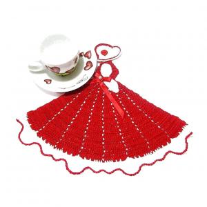 CENTRINO bianco e rosso a forma di dama all'uncinetto