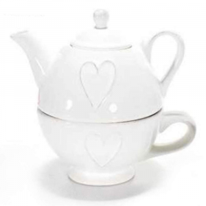Teiera e tazza con cuore in rilievo in ceramica