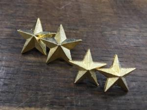 Stelle dorate in metallo (grandi e piccole)