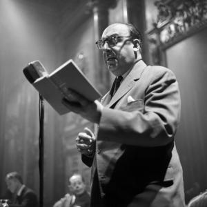 Pablo Neruda legge una poesia, 1960