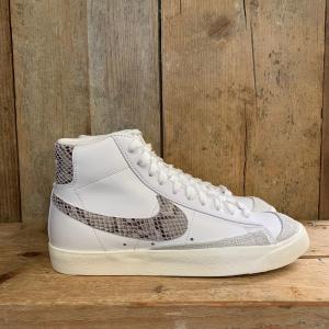 Scarpa Nike Blazer Mid 77 Vintage con Dettaglio Pitonato Bianca