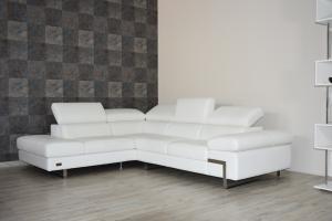 Divano angolare in pelle pieno fiore bianco ottico 280 x 230 cm a 5 posti maggiorati con poggiatesta recliner manuali piedini cromati lucidi – Design moderno
