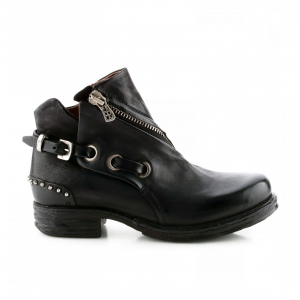 Scarpa nera A.S.98