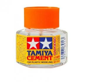 Liquid type glue