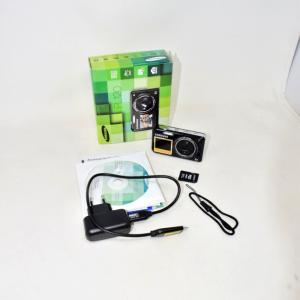 Macchina Fotografica Samsung PL120 Nera Con Schermo Per Selfie