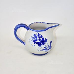 Brocca In Veramica Bianca Dipinto Fiori Blu