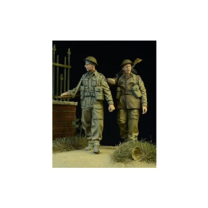 BRITISH/COMMONWEALTH INFANTRY WALKING