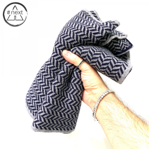 #NEXT - Sciarpa in lana Merino, Viscosa e Cashmere - Colore blu grigio.