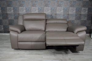 Divano relax manuale in pelle di colore grigio oliva a 3 posti con meccanismi recliner