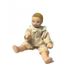 Bambino personaggio casa delle bambole