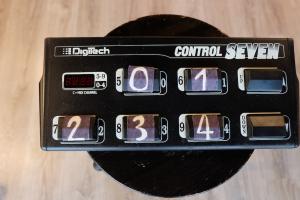 USATO! PEDALBOARD DIGITECH CONTROL SEVEN CON SCATOLA