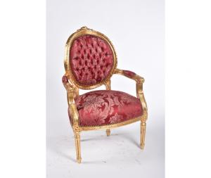 Poltrona Medaglione Oro e tessuto rosso