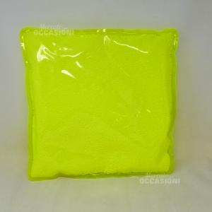 Cuscino In Plastica Fluorescente