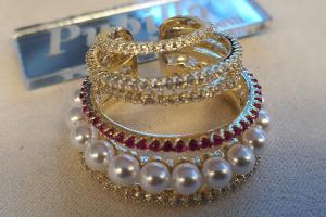 mono orecchino metallo schiona zirconi perle
