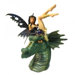 Fata della perla nera con drago verde