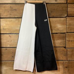 Pantalone Adidas a Palazzo Bianco e Nero