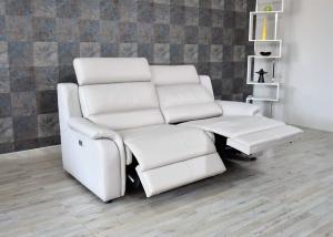 Divano relax in pelle grigio chiaro 3 posti con meccanismi recliner elettrici e poggiatesta regolabili