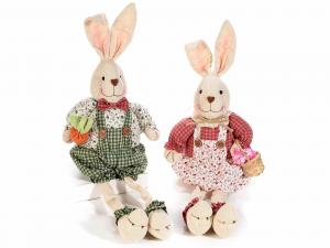 2 Conigli gambelunghe con vestito in stoffa
