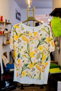 T-shirt a fiori La Fee Maraboutee
