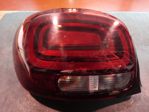 Fanale post. sx usato Citroen C3 3à serie dal 2016>
