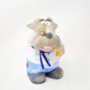 Oggetto Cane In Ceramica Che Guarda Dal Binocolo