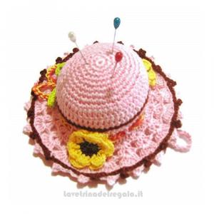 Cappellino puntaspilli rosa e marrone ad uncinetto ø 11.5 cm Handmade - Italy