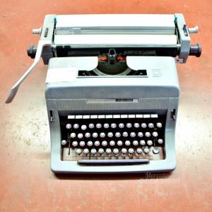 Macchina da scrivere Olivetti Lettera 88 colore grigio