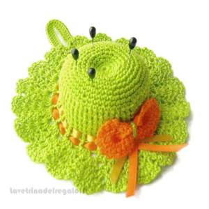 Cappellino puntaspilli verde acido ad uncinetto 12.5 cm Handmade - Italy