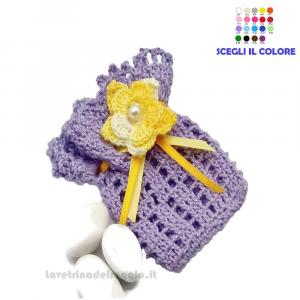 Portaconfetti lilla con fiore giallo ad uncinetto 6x8.5 cm - Sacchetti bomboniere