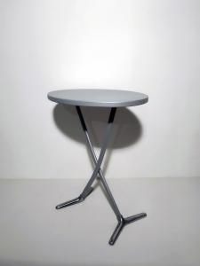Tavolino pieghevole finitura grigio metallizzato Rondine, Magis