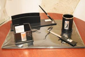 Ranieri Set studio 5 pz. Pelle blù scuro e Argento
