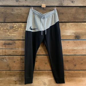 Pantalone Nike Sportswar Swoosh  Nero e Grigio