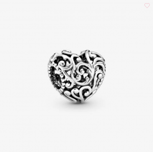 Charm a cuore openwork regale