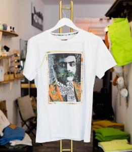 T-shirt con stampa Loft1