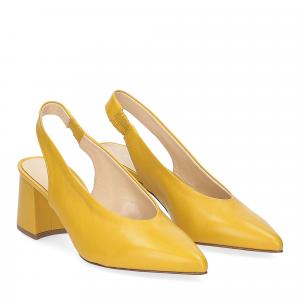 Andrea Schuster chanel AR3007 giallo