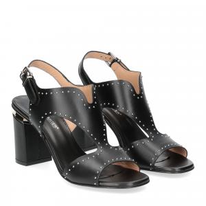 Andrea Schuster sandalo pelle nera borchiette