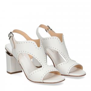 Andrea Schuster sandalo pelle bianca borchiette