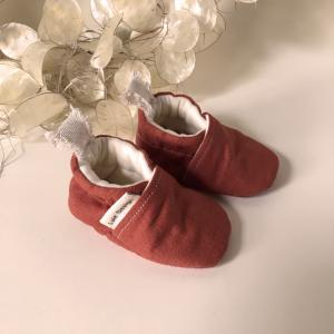 Scarpine neonato in lino biologico color terra cotta