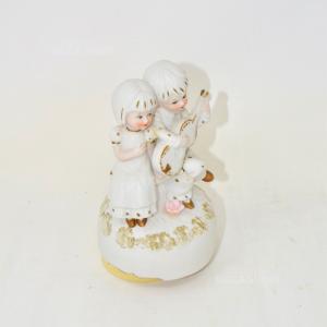 Carillon Bianco In Ceramica Due Bambini Che Suonano