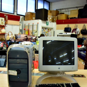 Computer Apple G4 Funzionante Con Tasteira E Monitor
